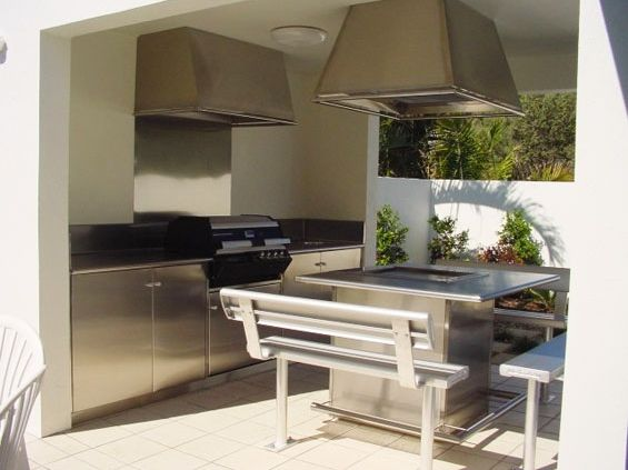 outdoor-kitchen-public-area