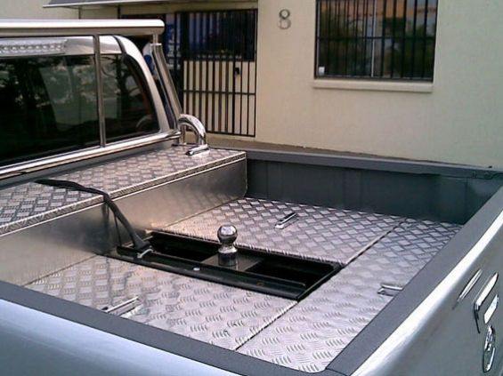 custom-steel-ute-trays-2